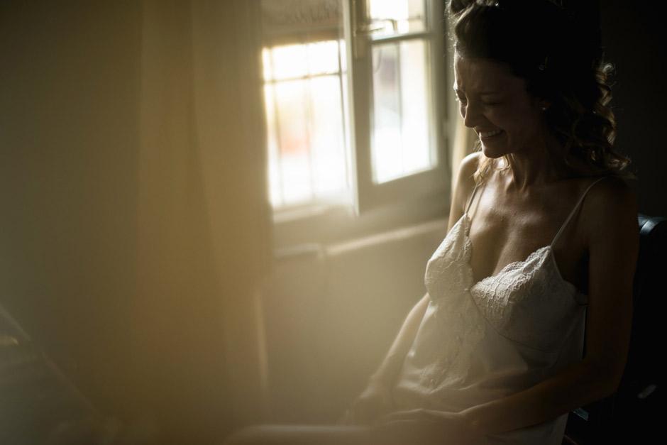 la sposa commossa