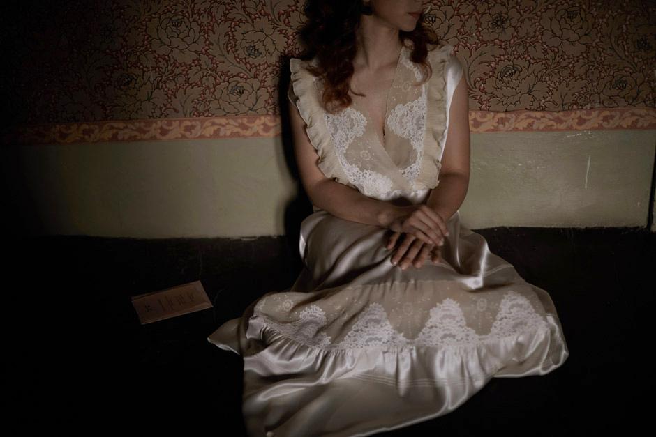 bride getting ready inside Dimora del Gruccione's room