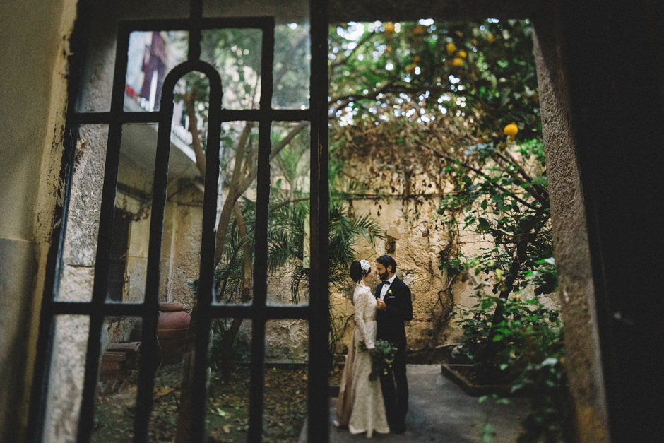 hidden garden in Villanova Cagliari- Bride and Groom Portrait