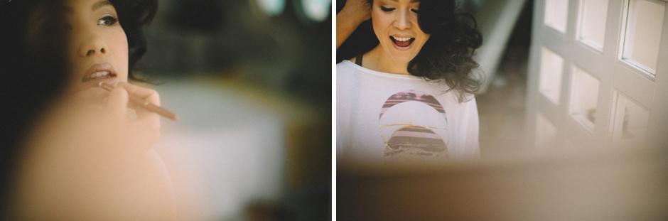 la sposa che si prepara nella sua suite arte Studio  presso Hotel Su Gologne