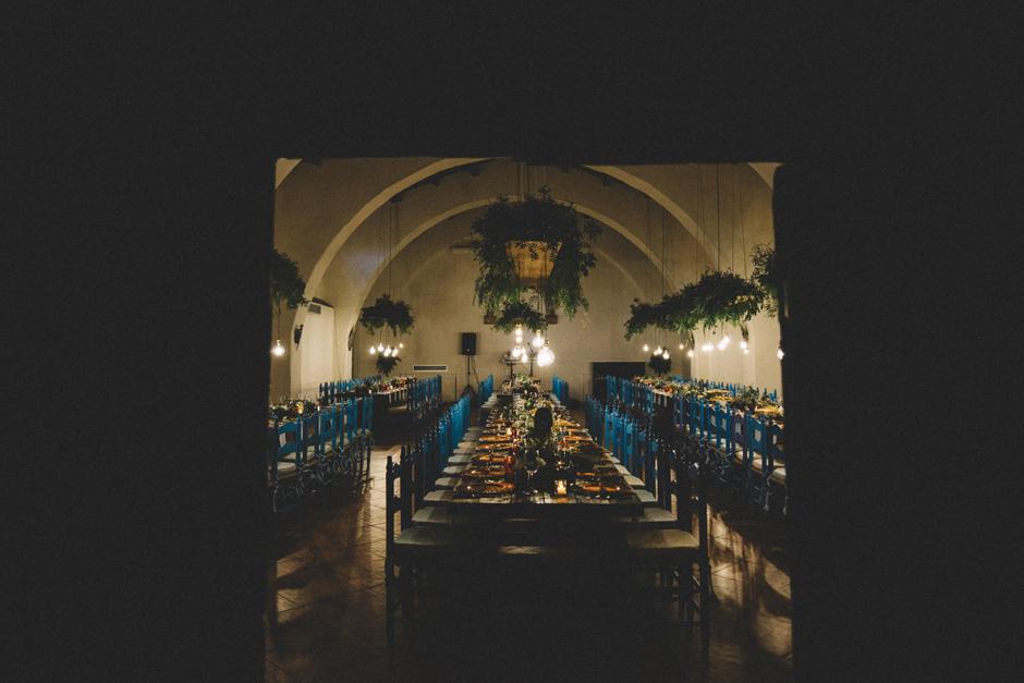 la sala conferenza allestita per la cena di matrimonio di Andrea e Ivano