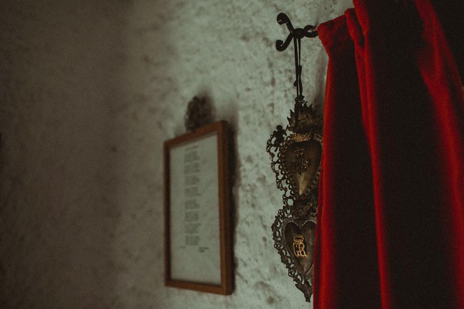 dettagli della chiesetta di Santa Rita Porto Rafael