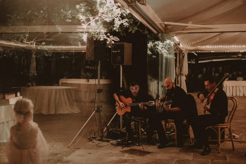 musicians at aperitif moment