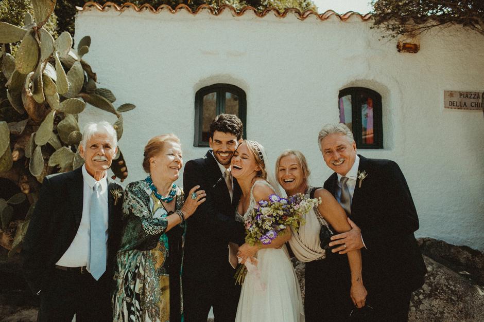foto di gruppo con la famiglia di caterina ed Enrico