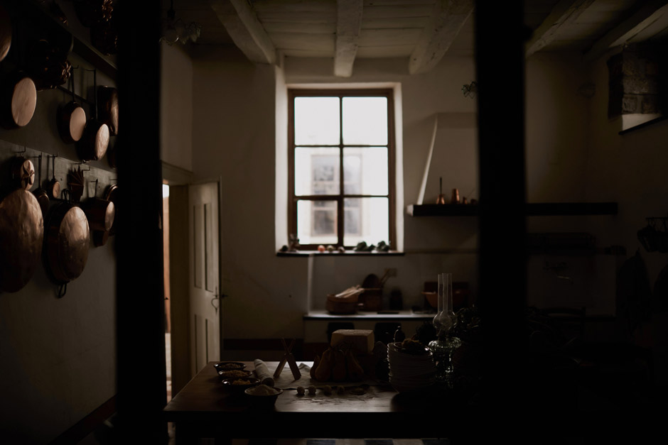 the antique kitchen inside antica dimora del gruccione