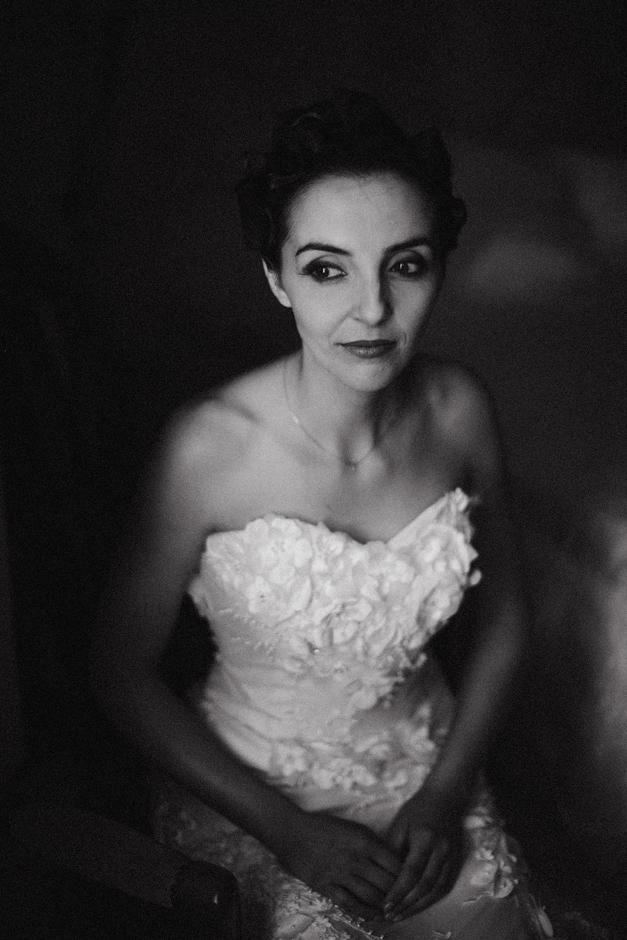 ritratto della sposa in bianco e nero provincia di nuoro
