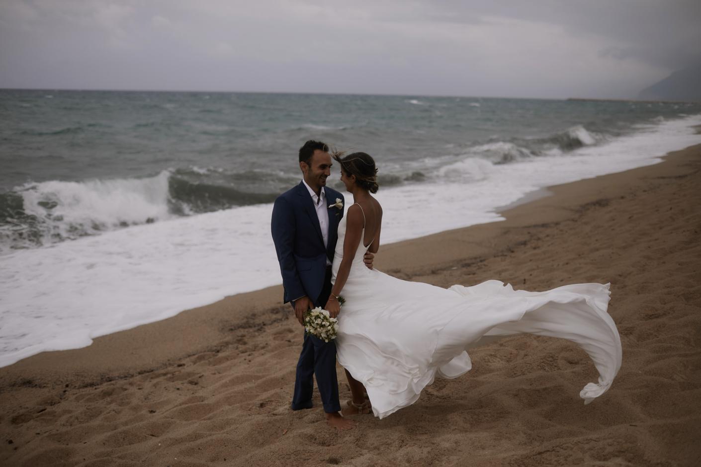 sposi in spiaggia in Sardegna